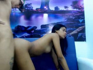 ehotlatins slim cam babe is glad to offer her cunt for dirty live sex