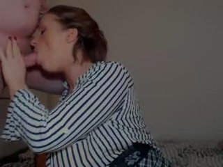 misteryland cam whore loves a nice facial online