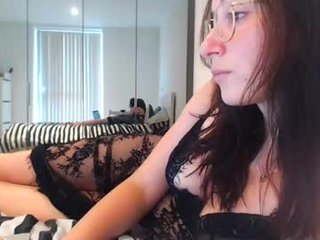 samarafromthewell webcam couple fucks with an enormous live sex toy