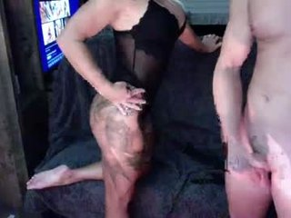 txfitcouple blonde cam babe in the chatroom offers her holes for banging