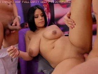 sweet_group_x BBW cam girl enjoys her ass
