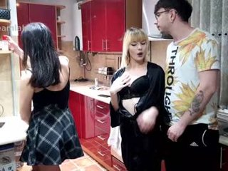 butterfly__effect couple presents live show with ohmibod in the horny pussy