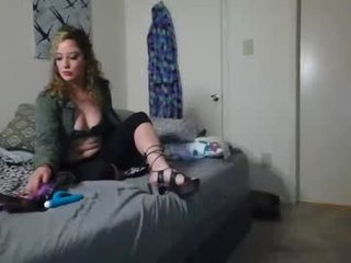 honey_time cam girl makes blowjob and adores anal fucking